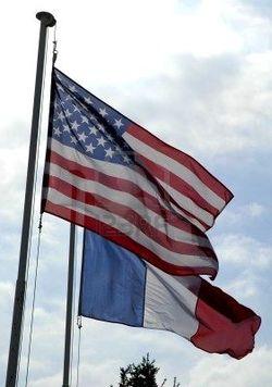 Drapeaux-américain-et-français