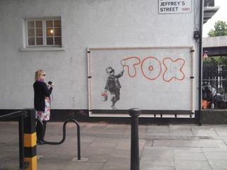 Banksy-covered-525x393